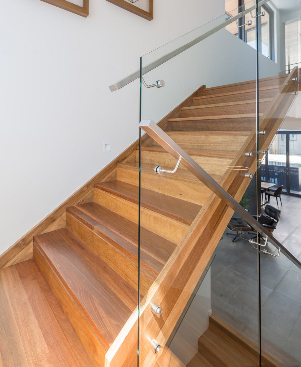 closed stairs design  GTA Toronto, Oakville, Ottawa